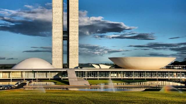 brasilia-parlements-111812155_1920_web.jpg